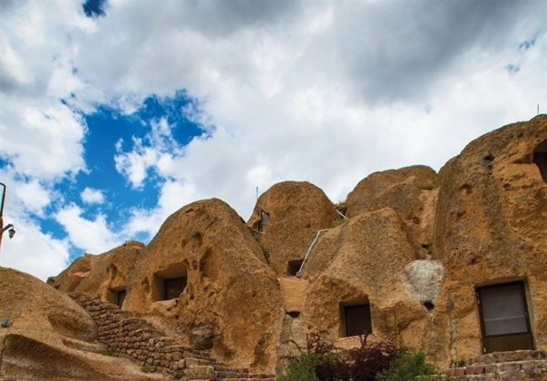 """قرية """"كندوان"""" تحفة منحوتة بين الصخور 9"""