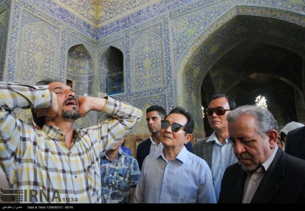 South Korean Speaker Visits Historic Sites of Isfahan