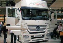 مرسيديس بنز تتعاون مع ايران لانتاج الحافلات والشاحنات