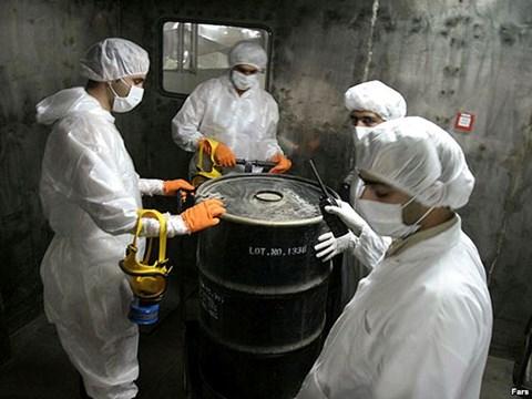 برلماني ايراني .. لن نسمح للامريكان بتفتيش منشئاتنا النووية