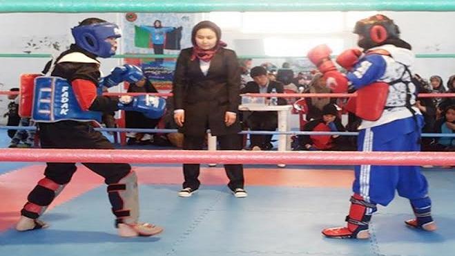 ايرانية تفوز بلقب افضل حكم امرأة في الرياضات القتالية بالعالم