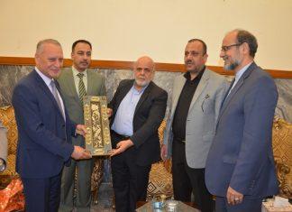 سفير إيران ومحافظ النجف يبحثان سبل تطوير العلاقات الثنائية