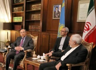 Iranian, Kazakh FMs Stress Expansion of Ties