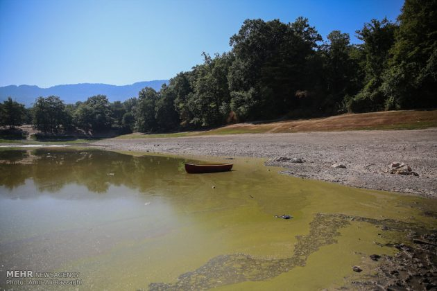 بحيرات محافظة مازندران الايرانية تواجه خطر الجفاف1