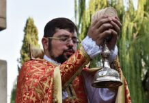 Christians in Tehran Celebrate Exaltation of Holy Cross10