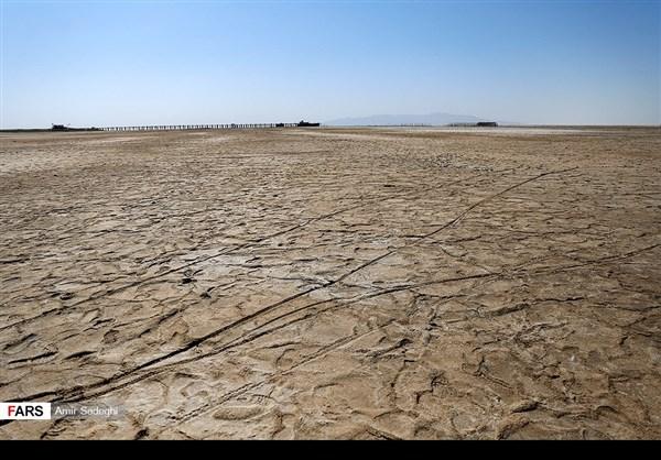 جفاف بحيرة ارومية 11