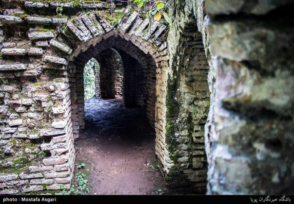 Iran's Beauties in Photos: Enchanting Rudkhan Castle11