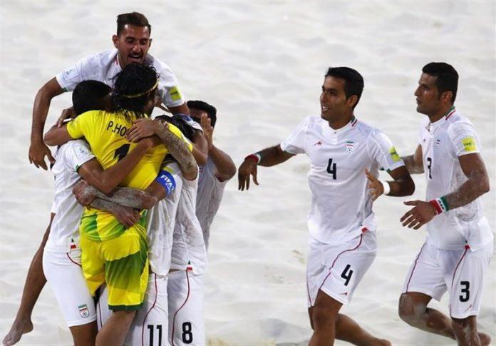 منتخب ايران لكرة القدم الساحلية يحرز المركز الثاني عالميًّا