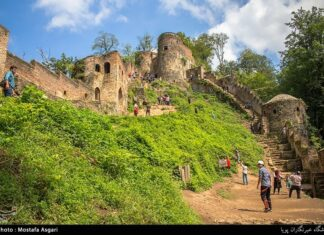 Iran's Beauties in Photos: Enchanting Rudkhan Castle14
