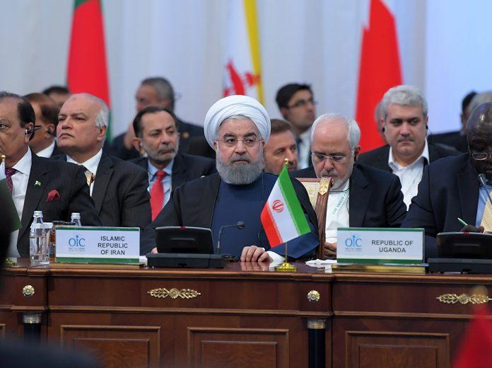 روحاني يؤكد على نبذ العنف ووحدة الكلمة في قمة التعاون الاسلامي