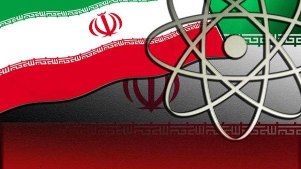 كاتب ايراني .. إيران تطور برنامجها النووي