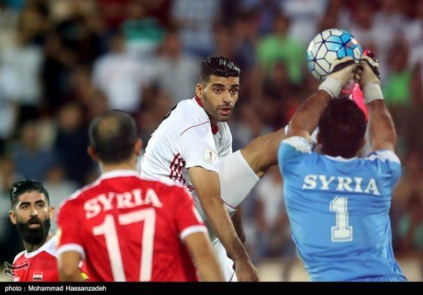 لقاء منتخبي إيران وسوريا لكرة القدم6