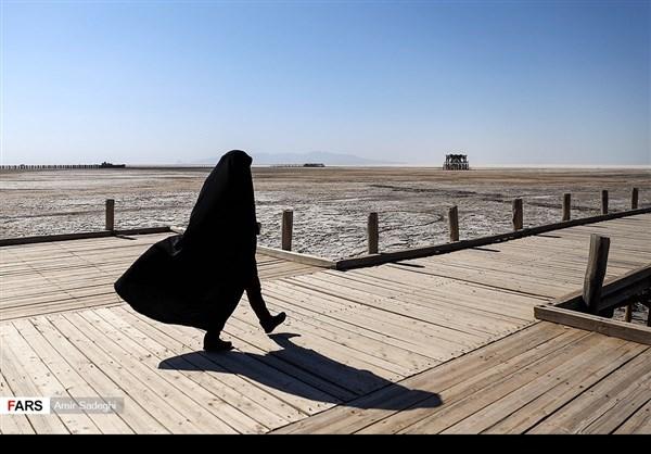 جفاف بحيرة ارومية 6