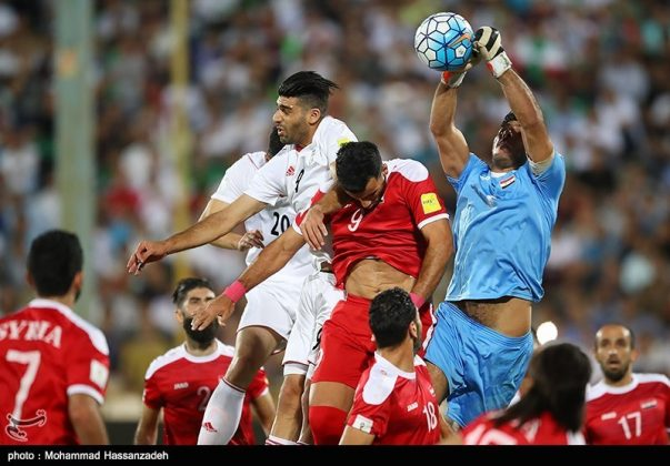 لقاء منتخبي إيران وسوريا لكرة القدم7
