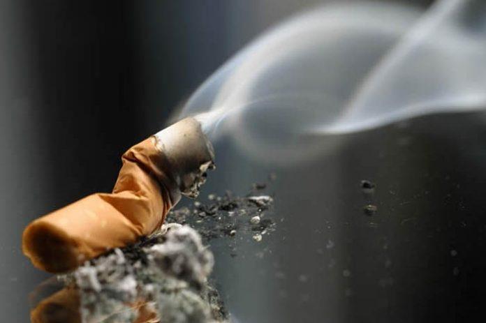 الايرانيون يدخنون 55 مليار سيجارة في السنة