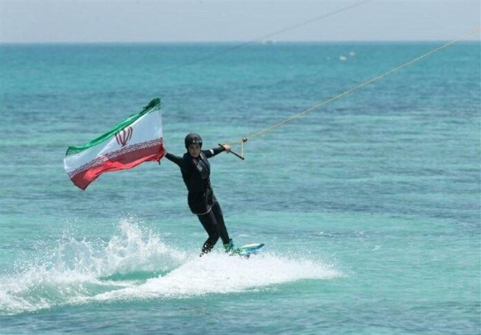 Int'l Federation Permits Iranian Women to Waterski with Hijab
