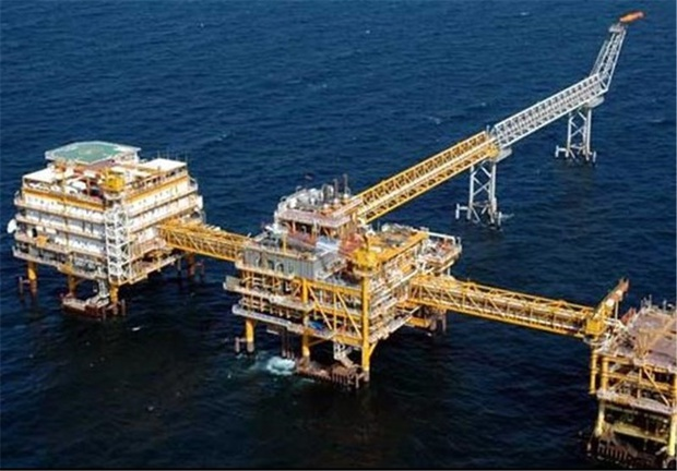 Iran Appoints 1st Female Manager of Gas Field Development Project