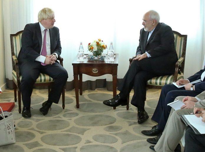 ايران وبريطانيا تبحثان العلاقات المصرفية والقنصلية