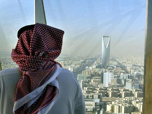 Arabia Saudí extraerá uranio y desarrollará un programa nuclear