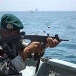 البحرية الإيرانية تحبط هجوما على سفينة تجارية ايرانية قرب باب المندب