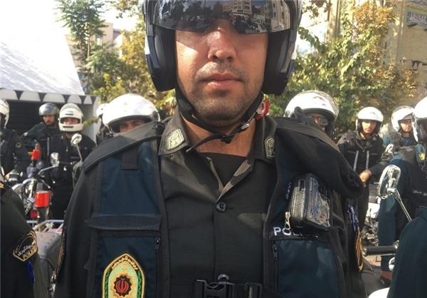 شرطة طهران تزود ملابس عناصرها بالكاميرات