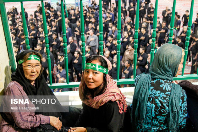 Iran Holds Special Tour of Mourning Ceremonies for Foreigners2