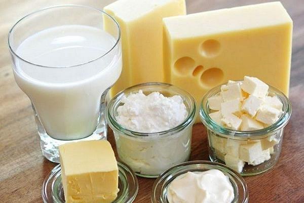 إيران تصدر 3 حاويات من منتجات الألبان الى امريكا