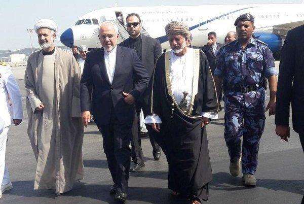 وزير الخارجية الايراني يصل إلى سلطنة عمان