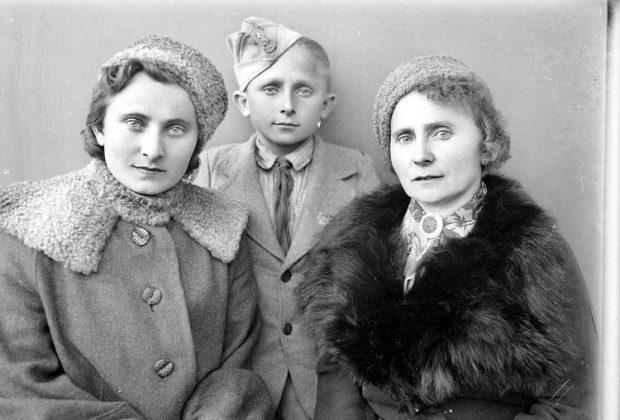 معرض صور فتوغرافية لمهاجرين بولنديين في ايران