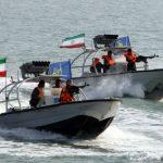 بحرية الحرس الثوري تنظم إستعراضا في الخلیج الفارسي