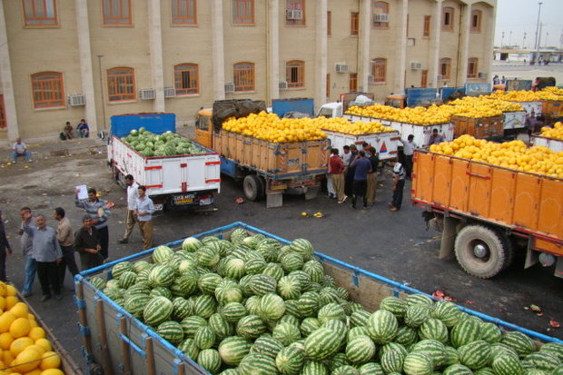 ايران تصدير 77 ألف طن من منتجاتها الزراعية للعراق عبر منفذ مهران