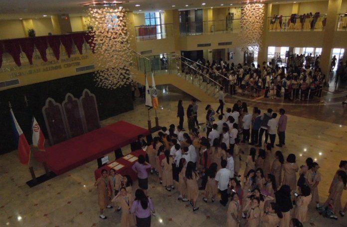 إقامة معرض الازياء الايرانية- الاسلامية في الفلبين