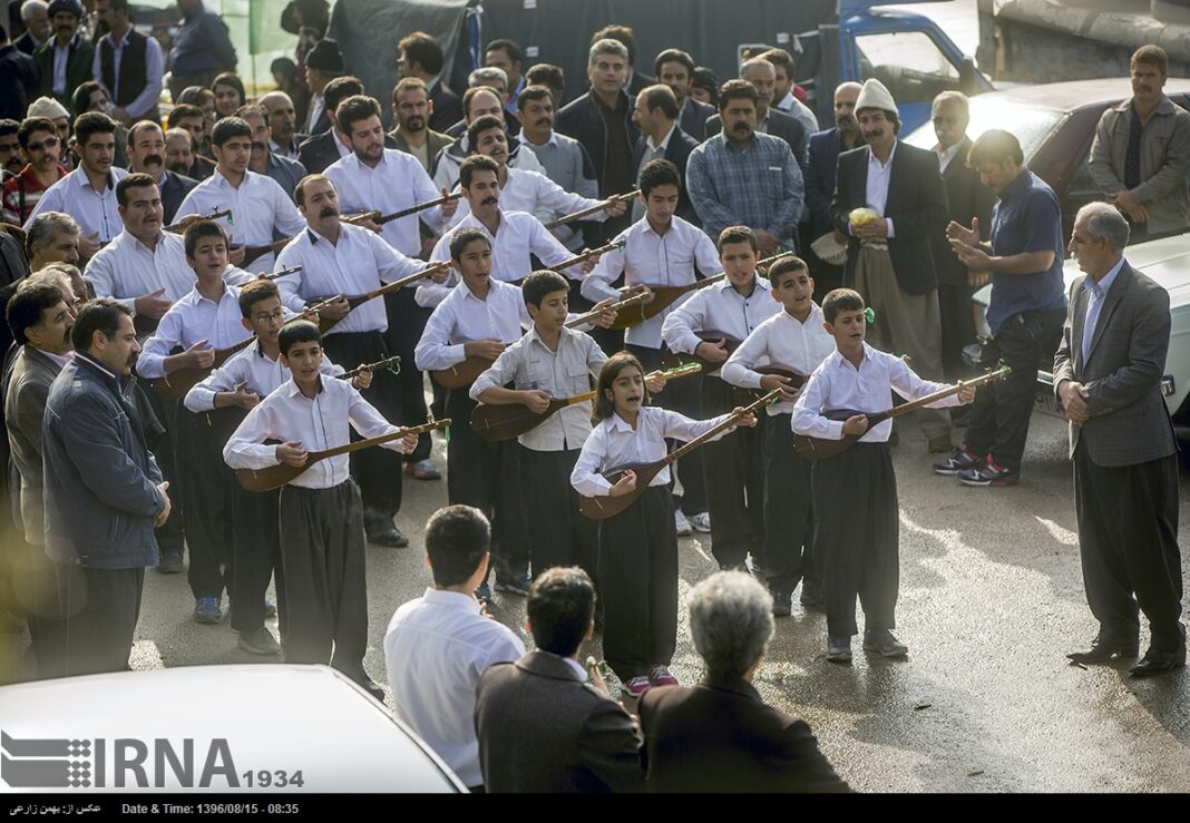 Playing Tanbur; Ancient Ritual in Iranian City of Dalahu1