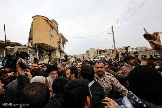 Líder iraní visita a Kermanshah para expresar su condolencias con las víctimas del terremoto 1