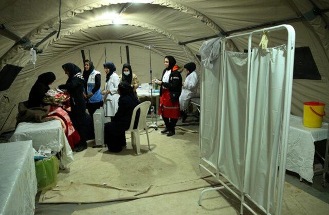 Two Babies Born in Makeshift Hospital amid Iran Earthquake11