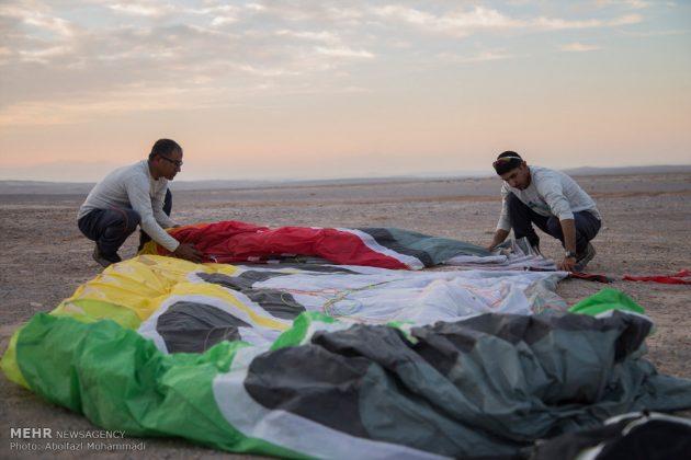 """مهرجان """"الطيران المظلي"""" في مدينة يزد الايرانية 11"""