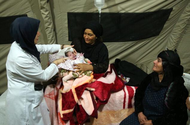 Two Babies Born in Makeshift Hospital amid Iran Earthquake12