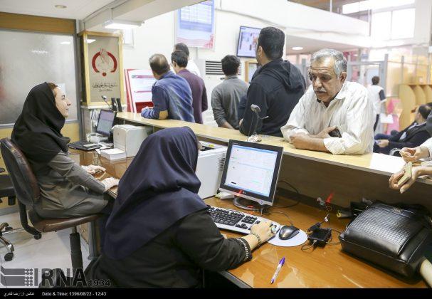 صف مردم تهران برای اهدای خون به زلزلهزدگان13