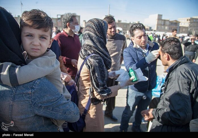 Iranian Army, IRGC Working Together to Rescue Quake-Hit People