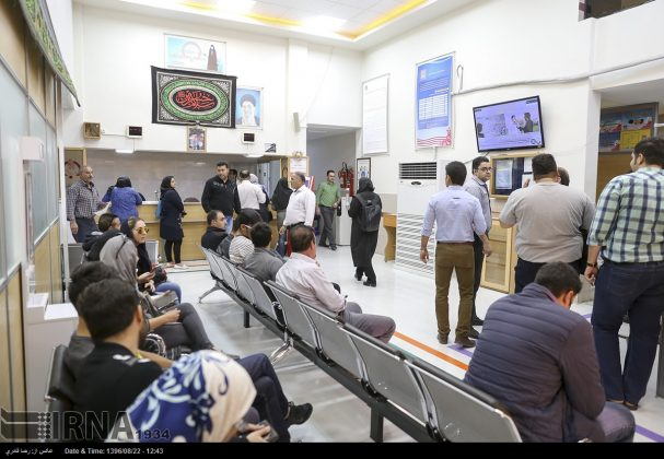 صف مردم تهران برای اهدای خون به زلزلهزدگان14
