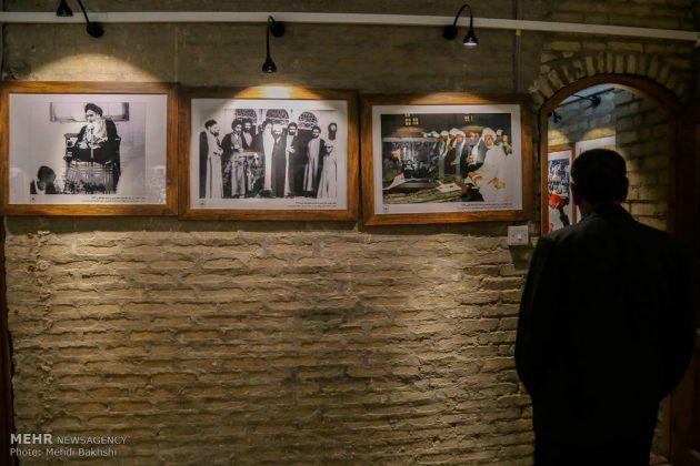 Los peregrinos visitan la casa del imán Jomeini en la Nayaf de Irak15