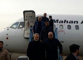 رئيس البرلمان الايراني يتفقد المناطق المتضررة من الزلزال