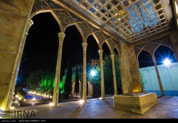 آرامگاه صائب تبریزی در باغ تکیه اصفهان2