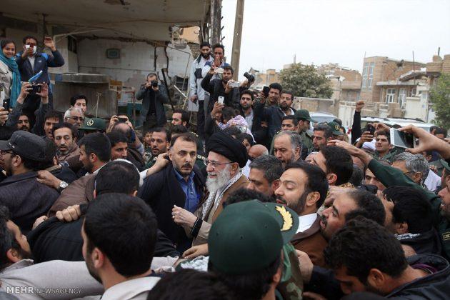 Líder iraní visita a Kermanshah para expresar su condolencias con las víctimas del terremoto 2