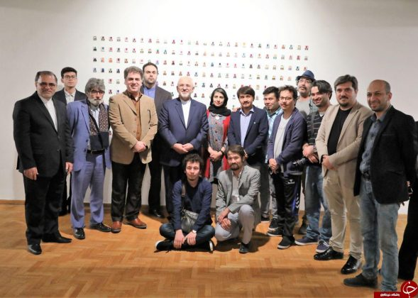 ظریف از نمایشگاه «نیمروز» هنرمندان افغان بازدید کرد3