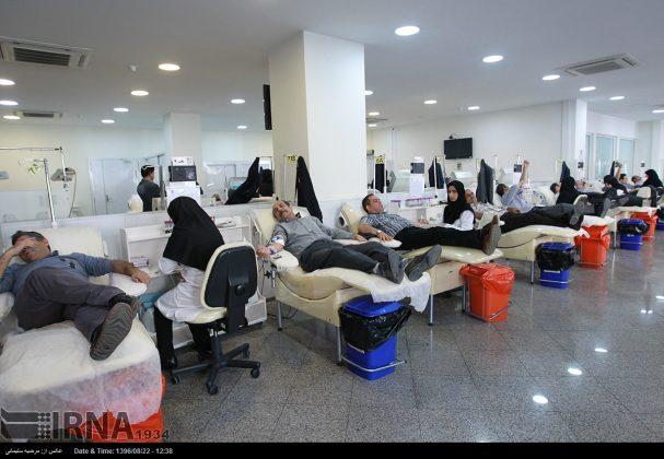 صف مردم تهران برای اهدای خون به زلزلهزدگان3
