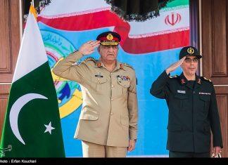 ايران وباكستان تبحثان توطيد العلاقات الدفاعية