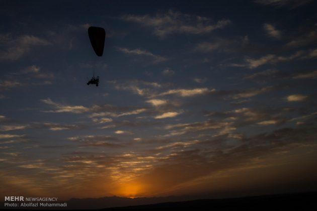 """مهرجان """"الطيران المظلي"""" في مدينة يزد الايرانية 4"""