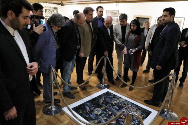 ظریف از نمایشگاه «نیمروز» هنرمندان افغان بازدید کرد4