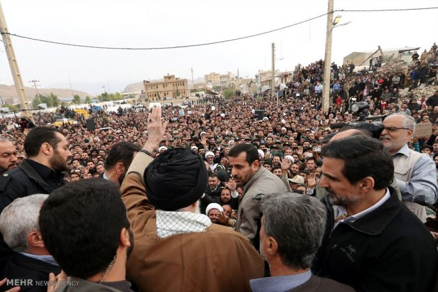 Líder iraní visita a Kermanshah para expresar su condolencias con las víctimas del terremoto 4